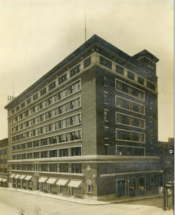 Tootle-Campbell Building. Built in 1909. 304-424 North 4th.