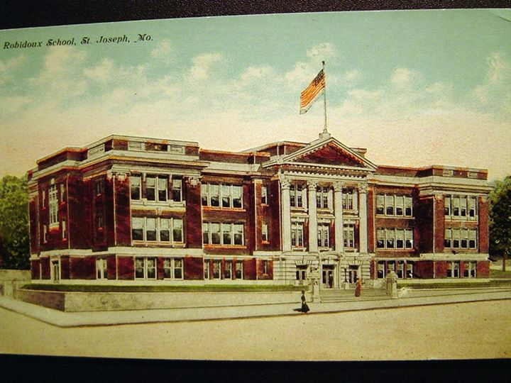 1924 Robidoux School St. Joseph Mo