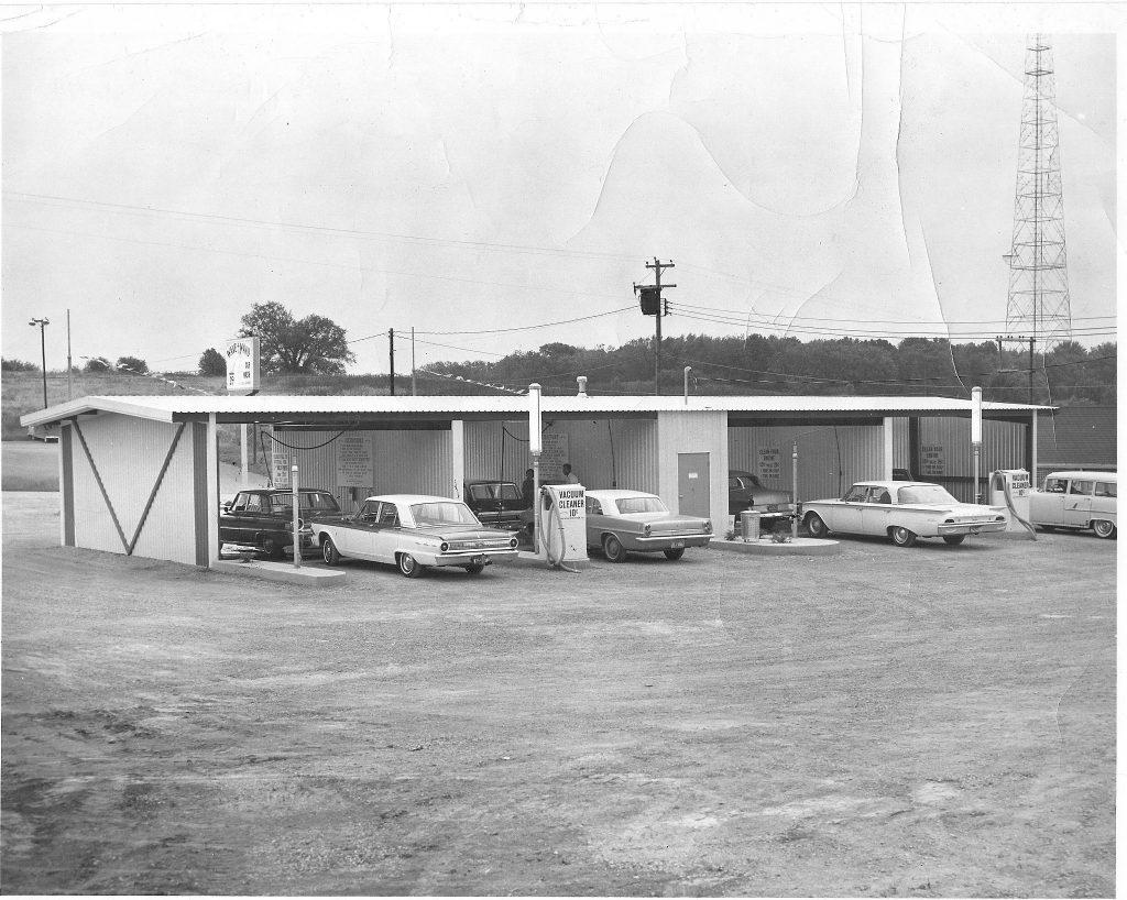 1963 photo of Archdekin's car wash
