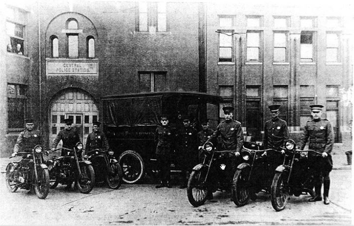 Central Police Station around 1900 7th and Messanie