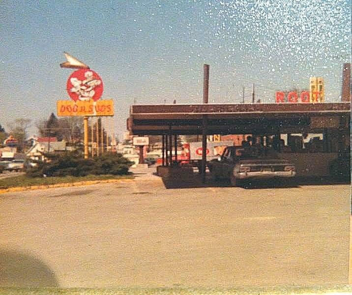 DOG N SUDS DRIVE-IN 1401 South Belt Highway St. Joseph Mo