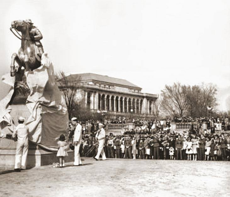Unveiling of the Pony Express Statue 1940